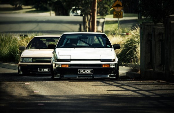 ae86-levin-2-door-trueno-3-door-hatch-coupe-brothers-1