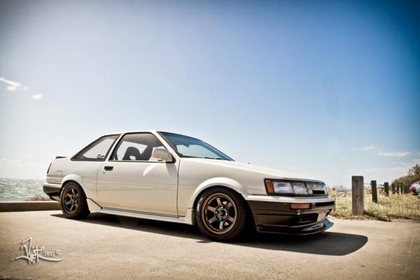ae86-levin-2-door-trueno-3-door-hatch-coupe-brothers-2